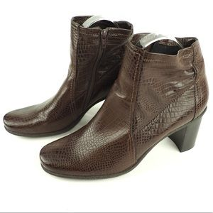 Franco Sarto 8.5 brown vegan croc ankle booties